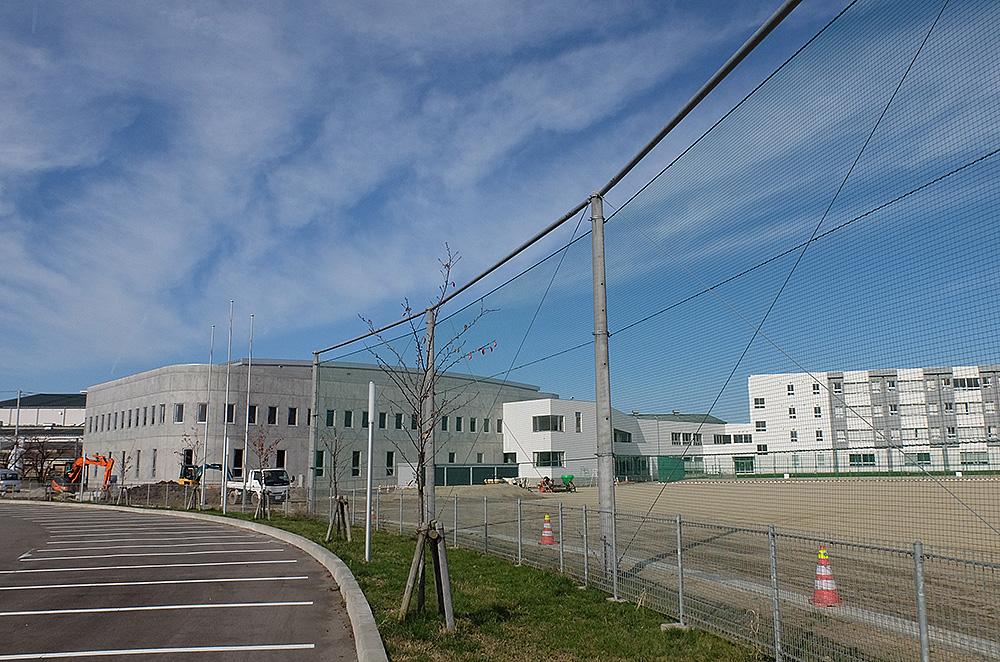 現在の新津第一中学校